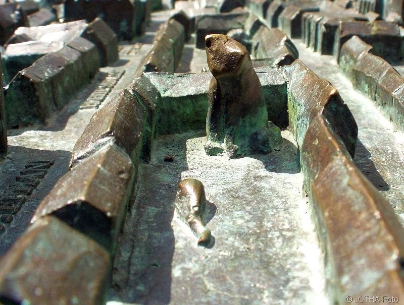 Überragende Katzenpersönlichkeit in Bronze